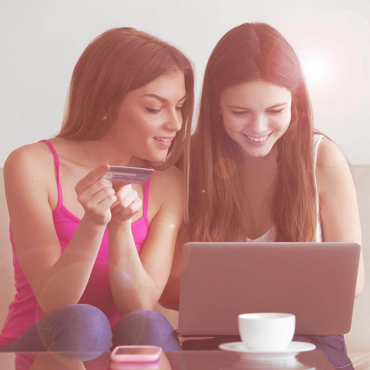 Comercio Electrónico - Tienda en Linea - Tienda Red Social